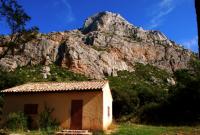 Cezanne's Atelier of Mountain セザンヌの山のアトリ ⓒToshihiko Shibano