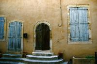 Wall and Door 壁とドア ⓒToshihiko Shibano  歴史を刻んだ壁とドアは私の目を常に惹きつける