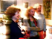 In the kitchen 料理の説明に耳を傾ける Nadine Mirka  Jean ナディーヌ  ミルカ ジャン Tokyo ⓒToshihiko Shibano