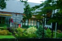 little pretty shop  可愛い小さなお店 ⓒToshihiko Shibano