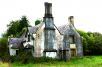 Deserted house 森の近くの廃屋 ⓒToshihiko Shibano