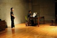 Voice training フランス語の歌の練習をするリアルマッスル泉君。 ⓒToshihiko Shibano