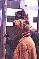 Market on Thursday 7 木曜市場(Khemis Anjra)頭巾の後ろの突出にはどんな意味があるのだろうか? ⓒToshihiko Shibano