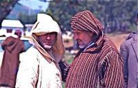 Market on Thursday 8 木曜市場(Khemis Anjra)写真を撮ったらじろっと睨まれた ⓒToshihiko Shibano