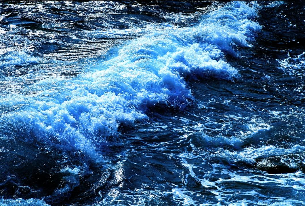 波を起こす風の力 Power of the wind which makes a wave    ⓒToshihiko Shibano