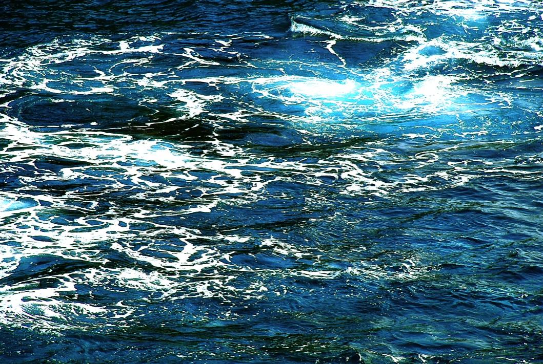 波のデザイン The design of a wave   ⓒToshihiko Shibano