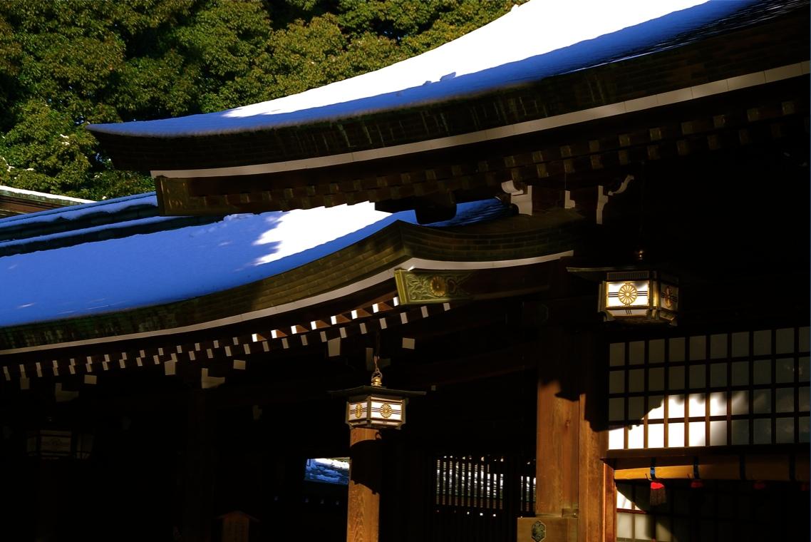 切妻屋根 Gabled roof  ⓒToshihiko Shibano