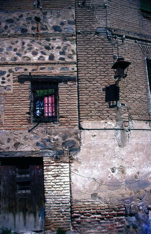 トレドの古い町並み1 Wall in Toledo 1 ⓒToshihiko Shibano