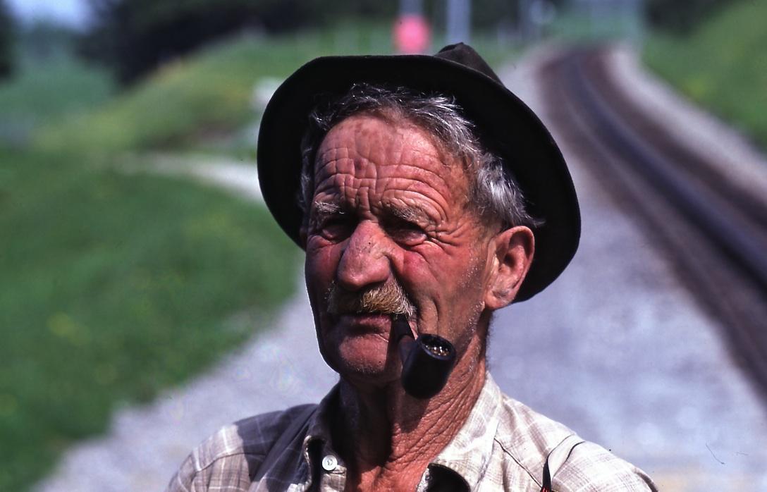 牧童2 Cattle breeder  このシワの刻まれ方が自然との闘いの険しさを物語っている ⓒToshihiko Shibano