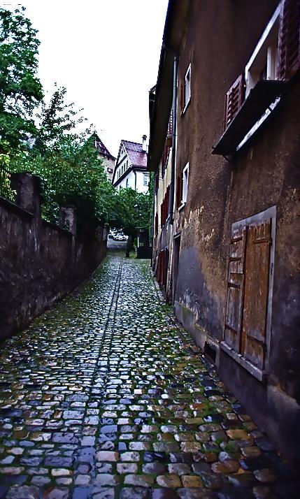 今も残るローマ時代の小径  The lane of the time of the Roman Empire which still remains  ⓒToshihiko Shibano